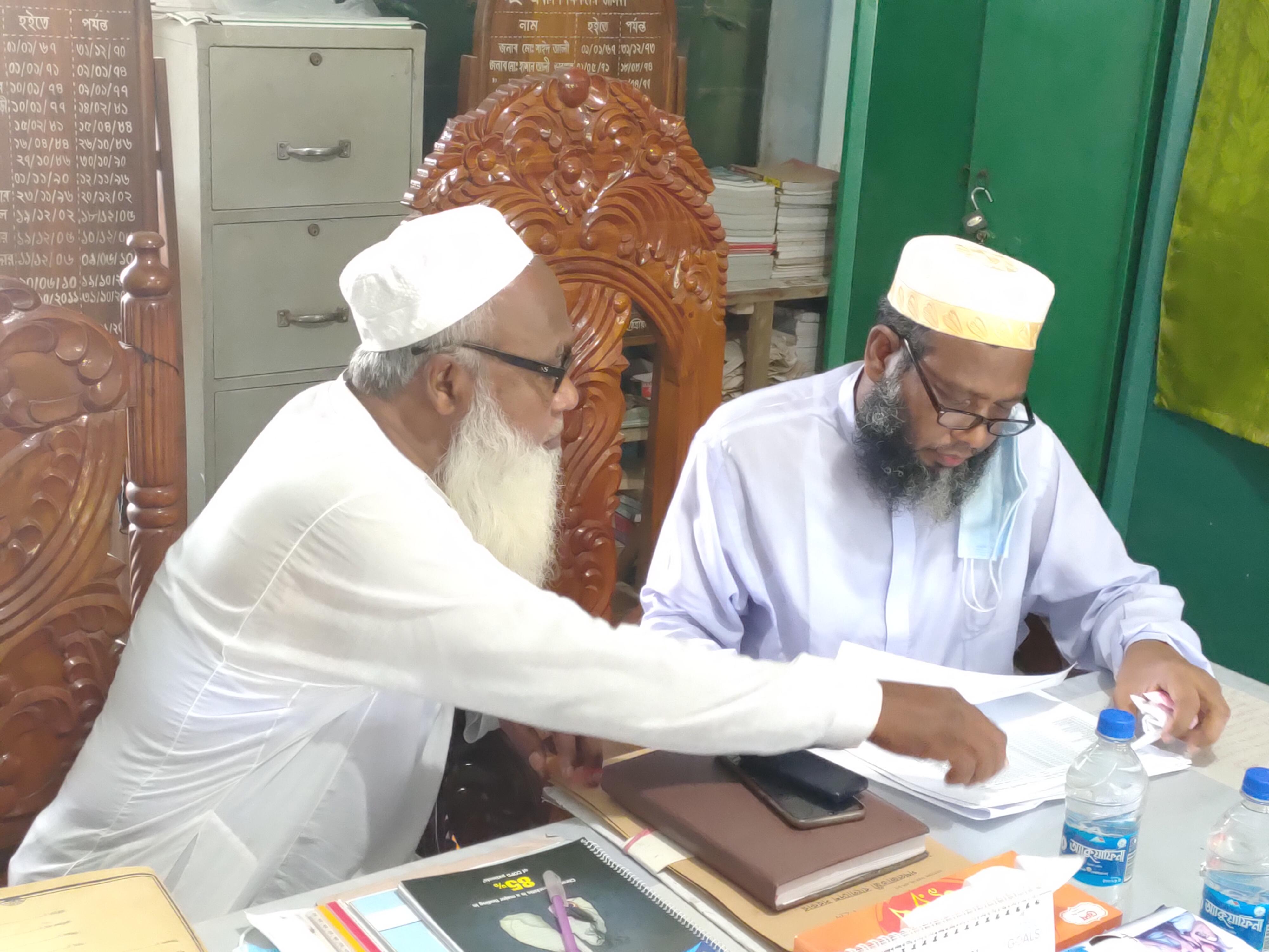 নালিতাবাড়ীতে জেলা শিক্ষা অফিসারের বিদ্যালয় পরিদর্শন